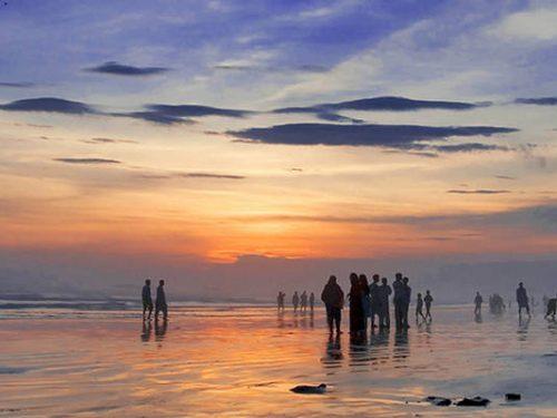 Beaches in Karachi for a Family Beach Picnic